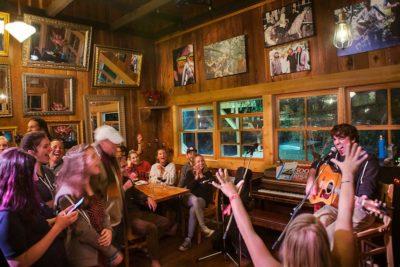 DB Cafe Live Music
